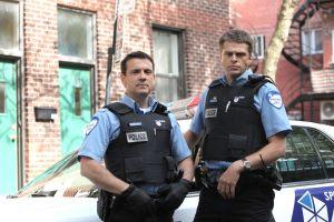 Les  2 principaux protagonistes de la série, Ben Chartier (Claude Legault) et Nick Berrof (Réal Bossé)